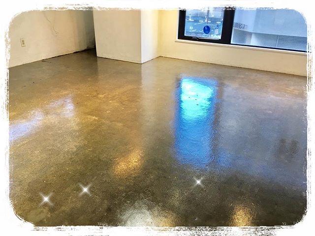 お店の床が綺麗になりました!ぜひ見に来てください🏻中澤