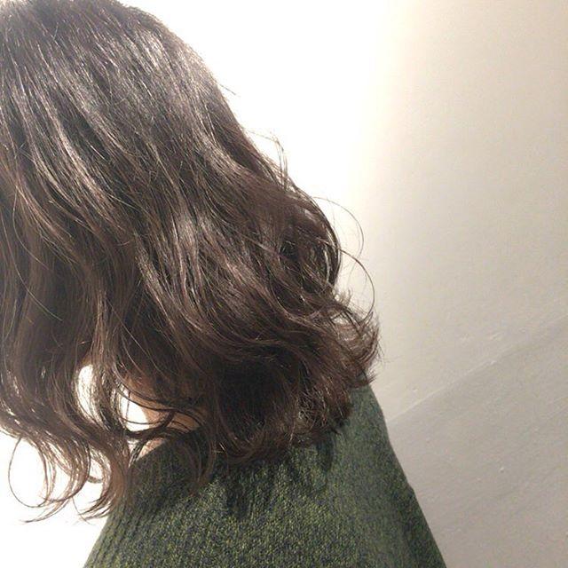 普段巻くのが苦手な方は、パーマかけてあげると毎日楽チンです🏻毛先だけであればパーマ初心者の方でも簡単ですよ( ˆoˆ )/ぜひ試してみてください♡